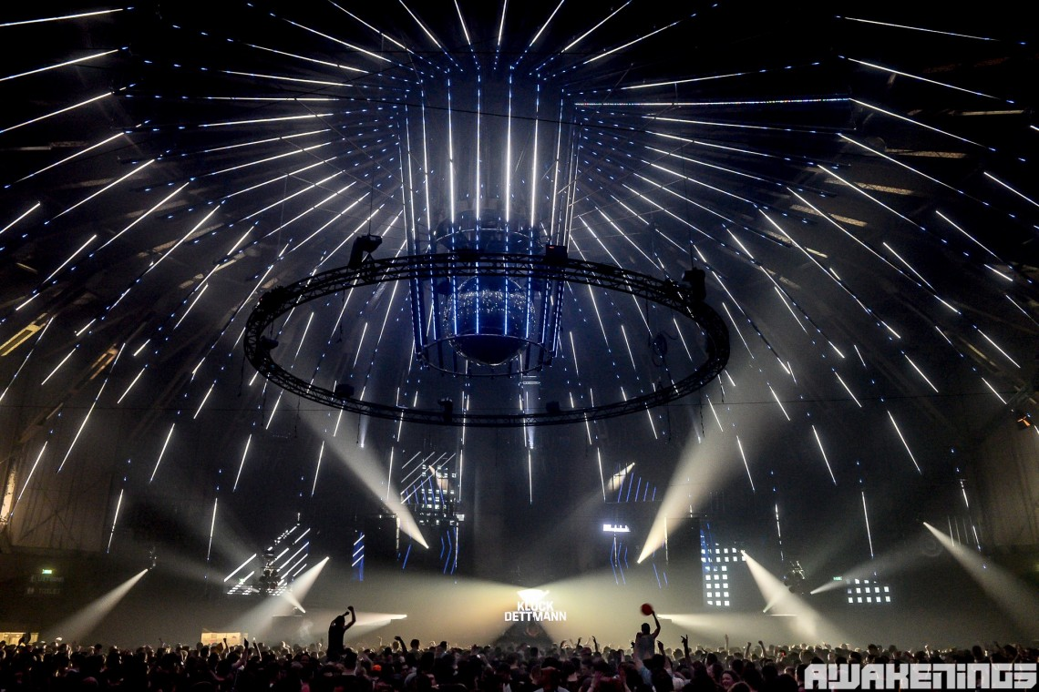 KBK Visuals at Awakenings Gashouder