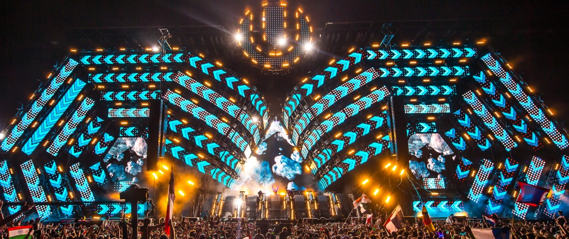 KBK Visuals at Ultra Miami with Hardwell - Photo by RUKES